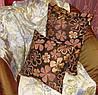 использовать подушки в качестве симпатичного декора