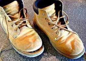 Как приклеить подошву обуви