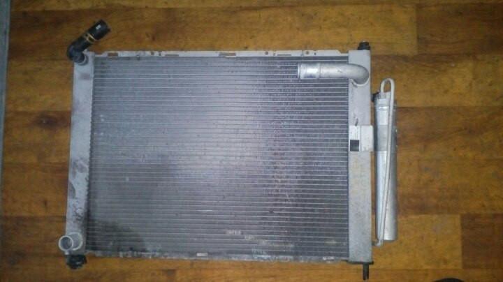 Б/у радиатор для Nissan Note