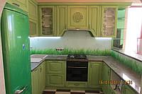 Кухня из дерева в салатовых тонах, фото 1