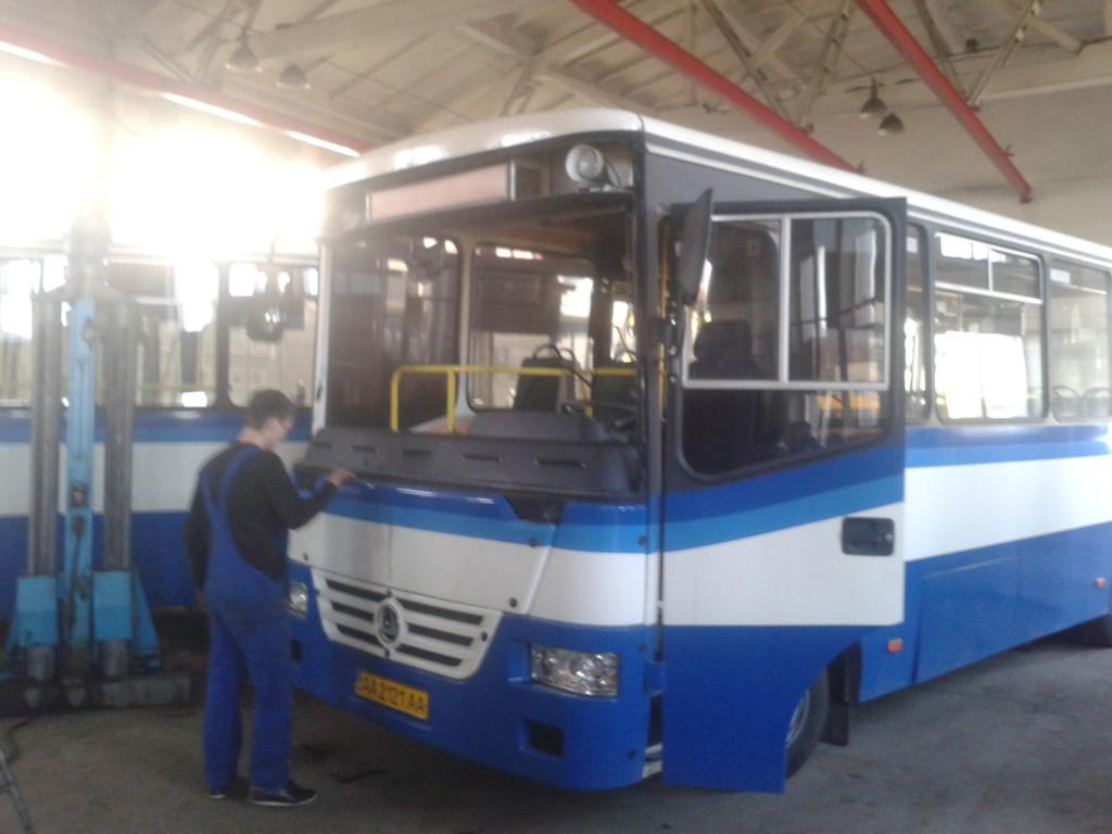 Замена лобового стекла БАЗ А 081.10 в Днепропетровске