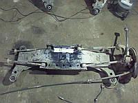 Задня балка від Toyota Avensis