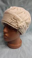 Женская шапка из ангоры Цветок белый