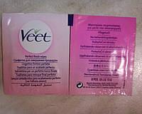 Салфетка Veet для завершения депиляции и увлажнения кожи после бритья.