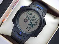 Мужские (женские) спортивные наручные часы Skmei черного цвета с синими вставками, фото 1