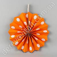 Подвесной веер, оранжевый в горох, 30 см - бумажный декор-розетка