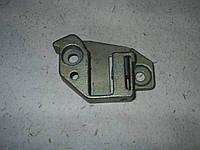 Щеколда механического замка двери правая  ГАЗ  2410