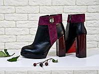 Ботинки на устойчивом высоком каблуке из натуральной кожи с бордовой вставкой и камнем