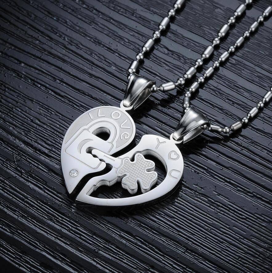 3b51ed60b346 Парные кулоны для влюбленных в виде сердца