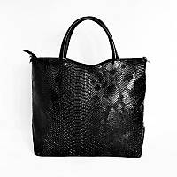 Женская сумка с тиснением «питон»