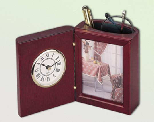 Подставка для ручек с часами  деревянная BESTAR