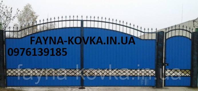 Ворота с калиткою закрытые профнастилом 7990