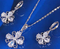 Набор белая позолота цветок с цирконами (GF249)