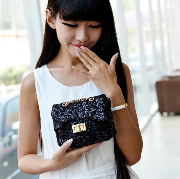 Женская мини-сумочка в блестках