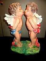 Скульптура Ангелы целуются