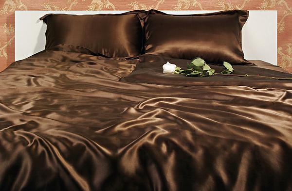 Натуральный постельный комплект VIVA из сатина