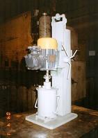Лабораторная бисерная мельница с одним стаканом. С объёмом 1 л.
