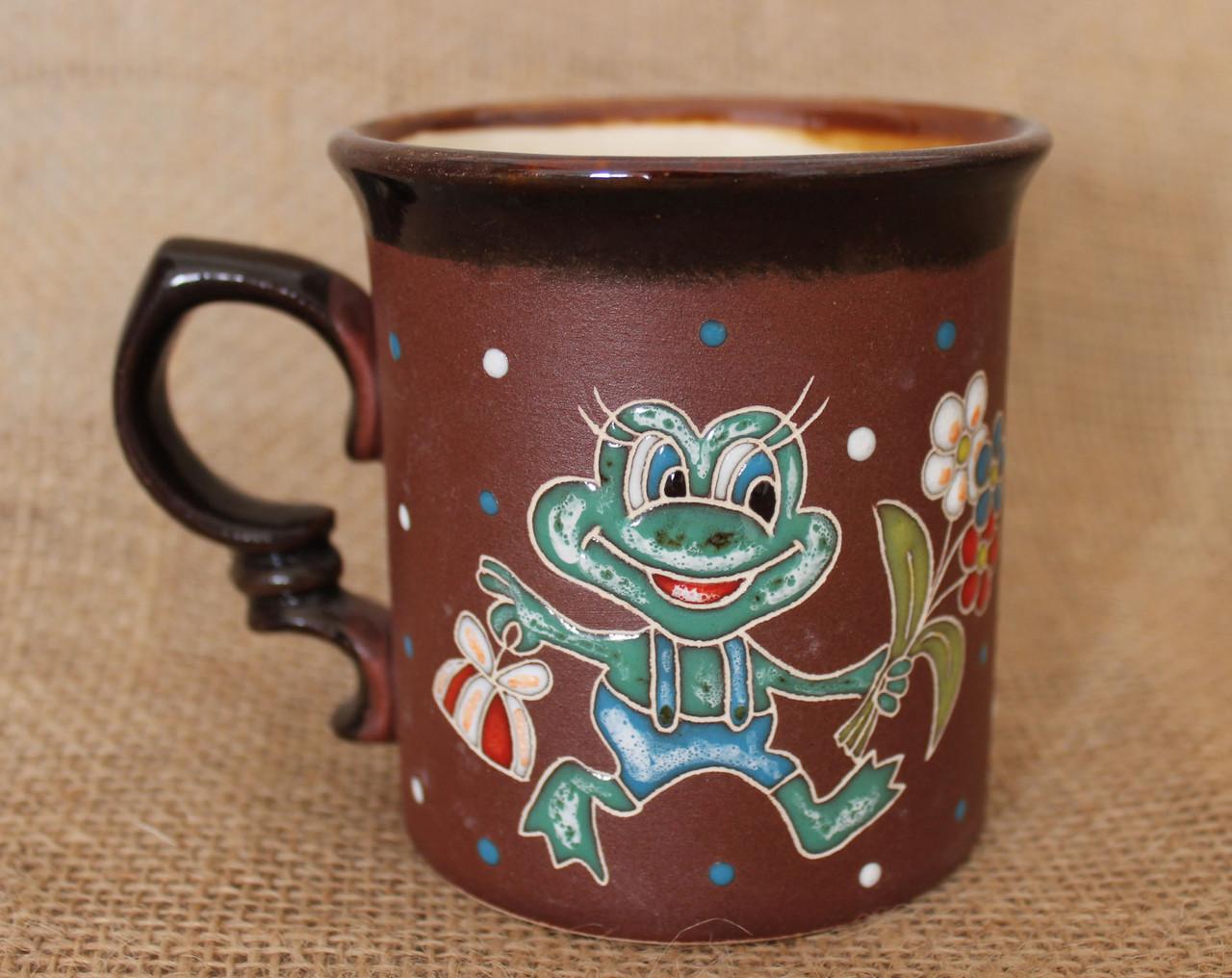 Чашка керамическая «Лягушонок с подарком»
