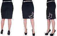 Женская юбка с розовым узором. Цвет черный. Размер: 48, 50, 52, 54.  Код 214