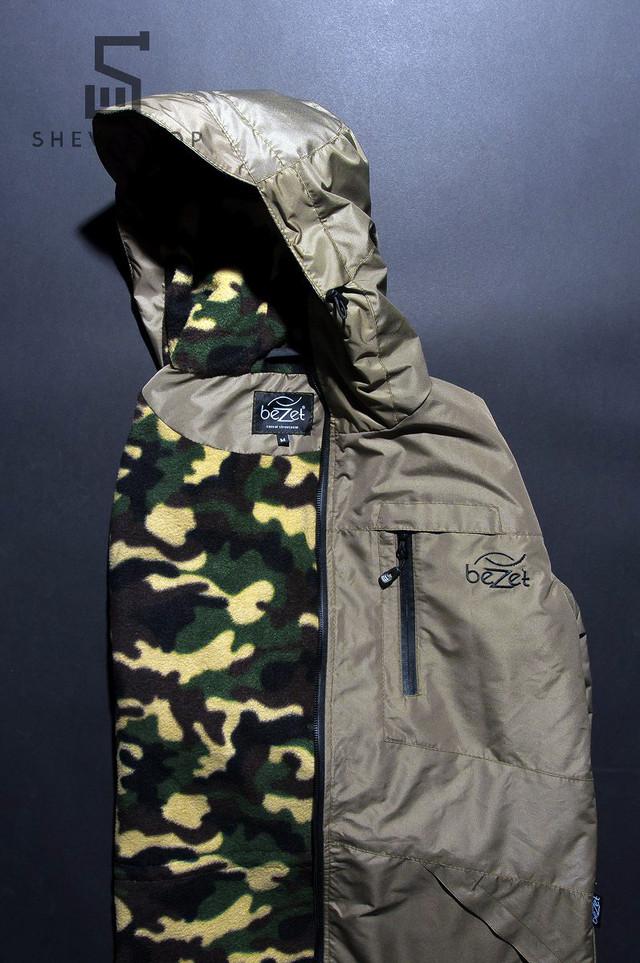 Внутри куртки флисовая подкладка