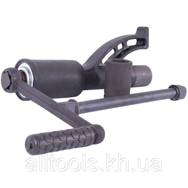 Ключ баллонный для грузовых автомобилей INTERTOOL XT-0004