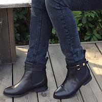 Женские зимние кожаные ботинки на низком ходу