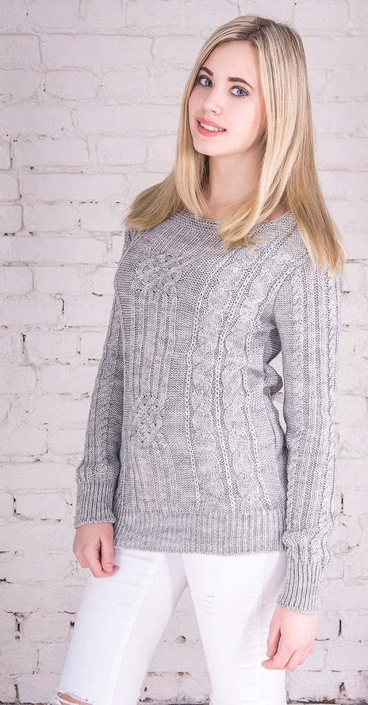 Женский свитер с плетением мышка