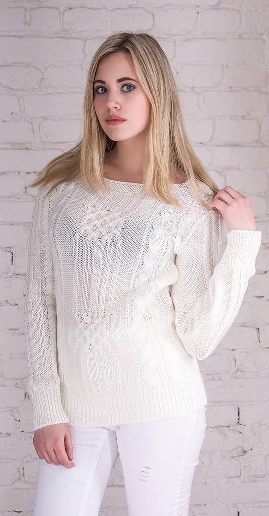 Женский свитер с плетением молоко