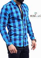 Модная рубашка голубого цвета в клетку