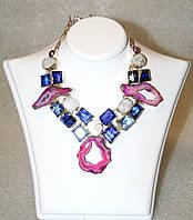Интересное колье, ожерелье из натурального камня - Срезы АГАТА, ЛУННЫЙ КАМЕНЬ, Ракушка и декоративное стекло