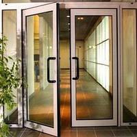 Алюминиеые двери