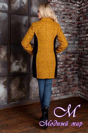 Деловое женское демисезонное пальто цвета горчица  (р. S, M, L) арт. Каскад крупное букле 9134, фото 2