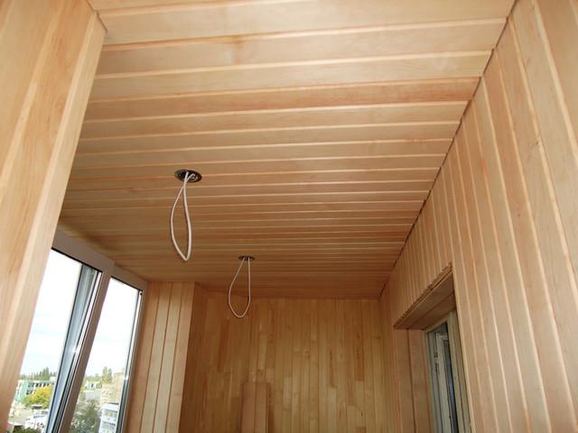 внутренняя отделка лоджии деревянной вагонкой липа