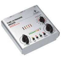 Behringer MIC 200 одноканальный ламповый предусилитель