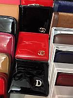 Кошелек Chanel красный лаковый
