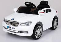 Эл-мобиль T-7612 WHITE легковая на р.у. 2*6V4.5AH мотор 2*25W с MP3 93*58*45 ш.к. /1/