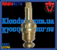 Вентильная головка с беконитовым уплотнением и сальниковой набивкой шаг резьбы М18*1