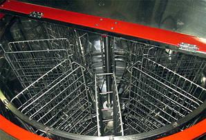 Медогонка 8-ми рамочная, автоматическая под рамку Рута. Модель 1 (редукторная)