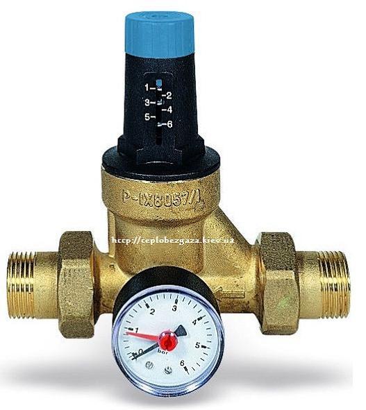 Редуктор давления с манометром мембранного типа Watts DRVMN ø15 мм, давление 1,5-6 бар.