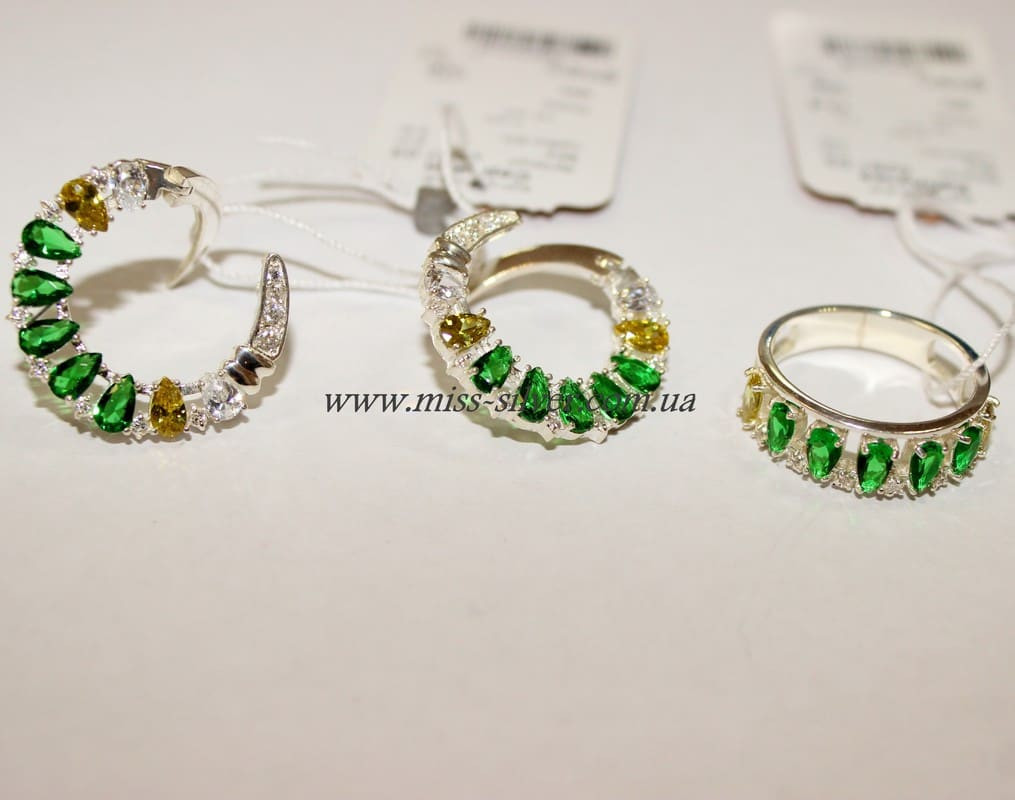 Комплект серебряный с зелеными фианитами Регина