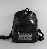 Стильный рюкзак черного цвета из кожзама  02