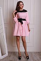 Молодежное нарядное платье из костюмного крепа с ажурной кокеткой.