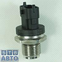 Датчик давления топливной планки Fiat Doblo 2,0 MJTD 2009-