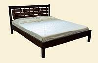 Двуспальная кровать из натуральной древесины, с высоким резным изголовьем. Модель Л-219