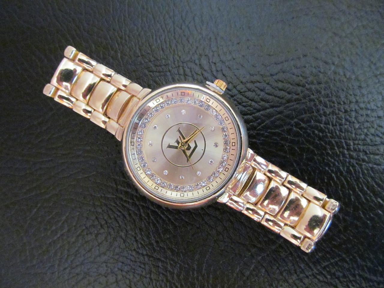 Луи витон женские наручные часы купить часы в крыму мужские