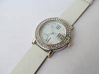 Женские наручные белые часы Gucci со стразами, Гуччи
