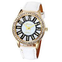 Оригинальные модные женские часы Brillianty со стразами , белые