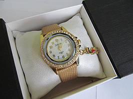 Часы женские с золотистым ремешком Jumeis