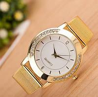 Стильные модные женские часы Crystal со стразами