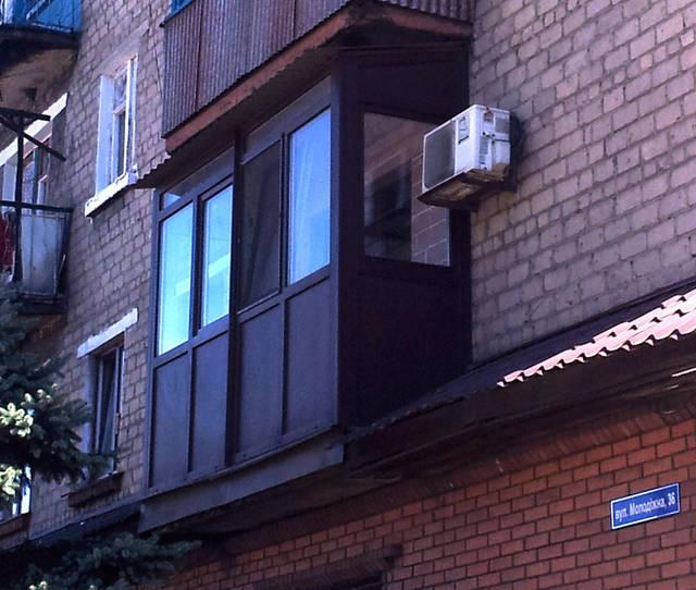 """Ламинированный балкон. Цвет """"махагон."""""""